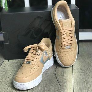 36fe57f1ab2 NWT Nike Air Force 1'07 SE PRM bio beige WMNS NWT